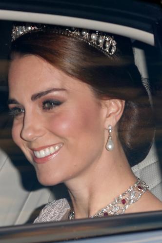 Кейт Миддлтон в тиаре Cambridge Lover's Knot на приеме к честь короля и королевы Испании