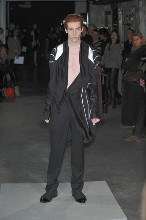 Показ Atelier Gustavo Lins коллекции сезона Весна-лето 2010 года Haute couture - www.elle.ru - Подиум - фото 138343