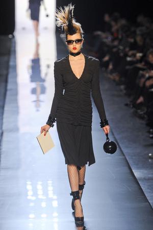 Показ Jean Paul Gaultier коллекции сезона Весна-лето 2011 года Haute couture - www.elle.ru - Подиум - фото 217246