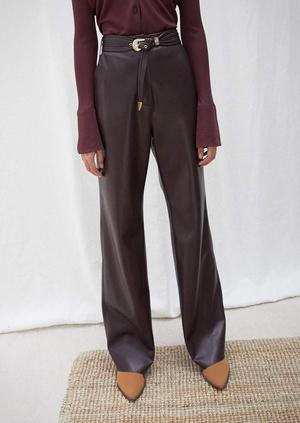 Кожаные брюки: какие купить и с чем носить (фото 15.2)