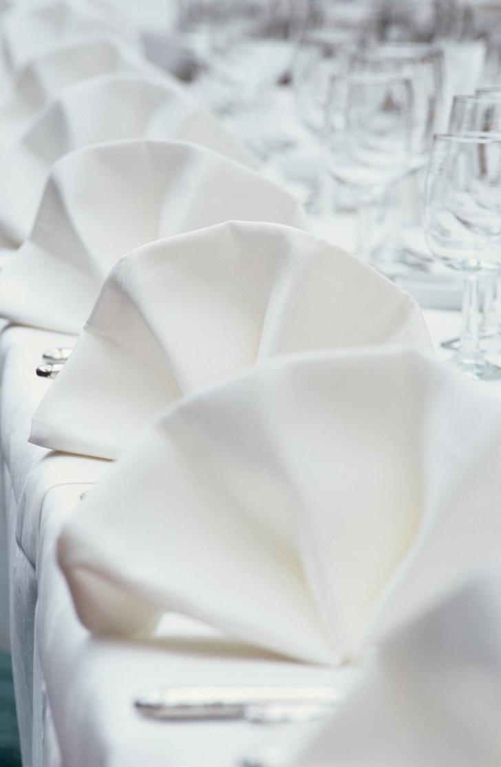 Как красиво сложить салфетки для сервировки стола (фото 14)