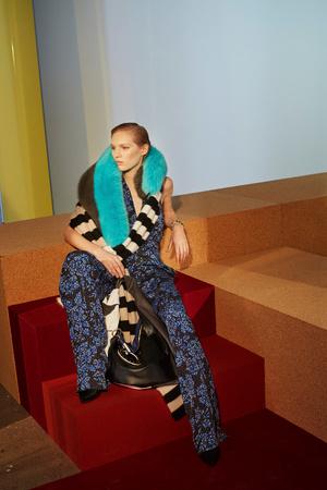 Показ Diane Von Furstenberg коллекции сезона Осень-зима 2017-2018 года prêt-à-porter - www.elle.ru - Подиум - фото 618527