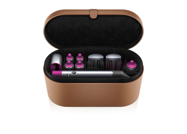 Как в салоне: все, что нужно знать о новом стайлере для волос Airwrap от Dyson (фото 7)