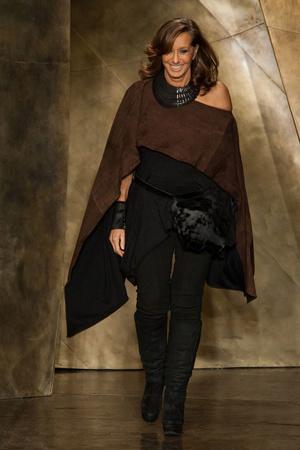 Показы мод Donna Karan Осень-зима 2013-2014 | Подиум на ELLE - Подиум - фото 870