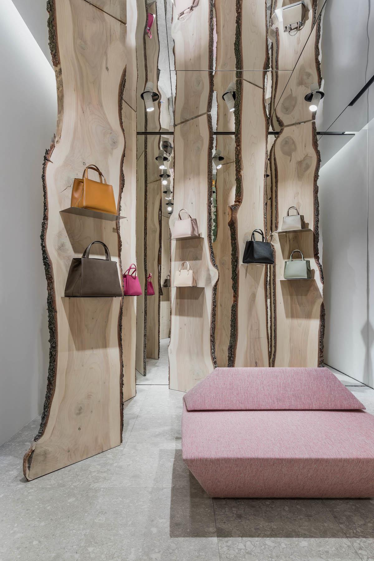 Свои в доску: инсталляция Кенго Кумы в бутике Valextra (галерея 4, фото 5)