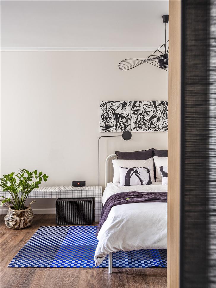 Эклектичная квартира 38 м² для девушки-дизайнера (фото 0)