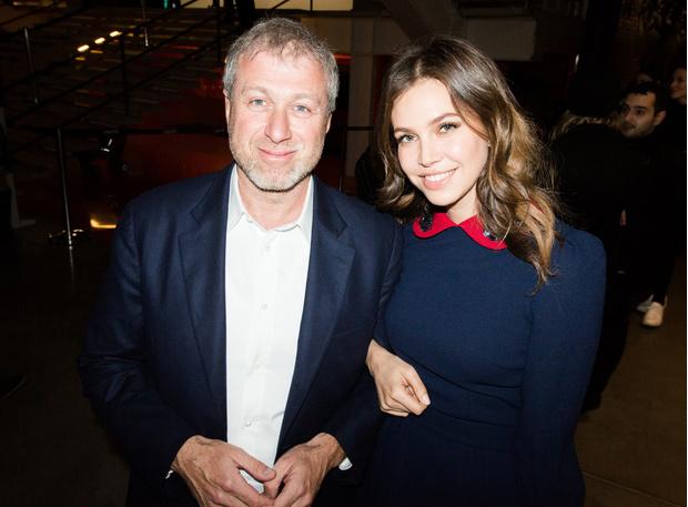 Роман Абрамович и Даша Жукова фото