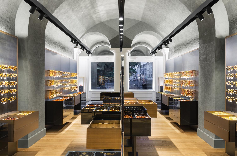 Открылся первый флагманский бутик Amber & Art в Санкт-Петербурге | галерея [1] фото [6]