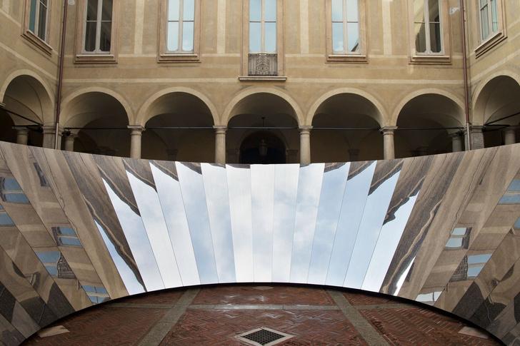Инсталляция COS и Филиппа К. Смита III на Миланской неделе дизайна (фото 5)