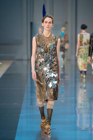 Показ Maison Martin Margiela коллекции сезона Осень-зима 2015-2016 года haute couture - www.elle.ru - Подиум - фото 597264