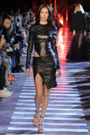 Показ Alexandre Vauthier коллекции сезона Осень-зима 2014-2015 года Haute couture - www.elle.ru - Подиум - фото 585216