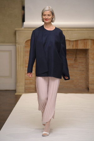 Показ Adeline Andre коллекции сезона Весна-лето 2011 года Haute couture - www.elle.ru - Подиум - фото 216069