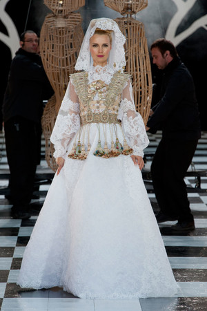 Показ Franc Sorbier коллекции сезона Весна-лето 2014 года Haute couture - www.elle.ru - Подиум - фото 575078