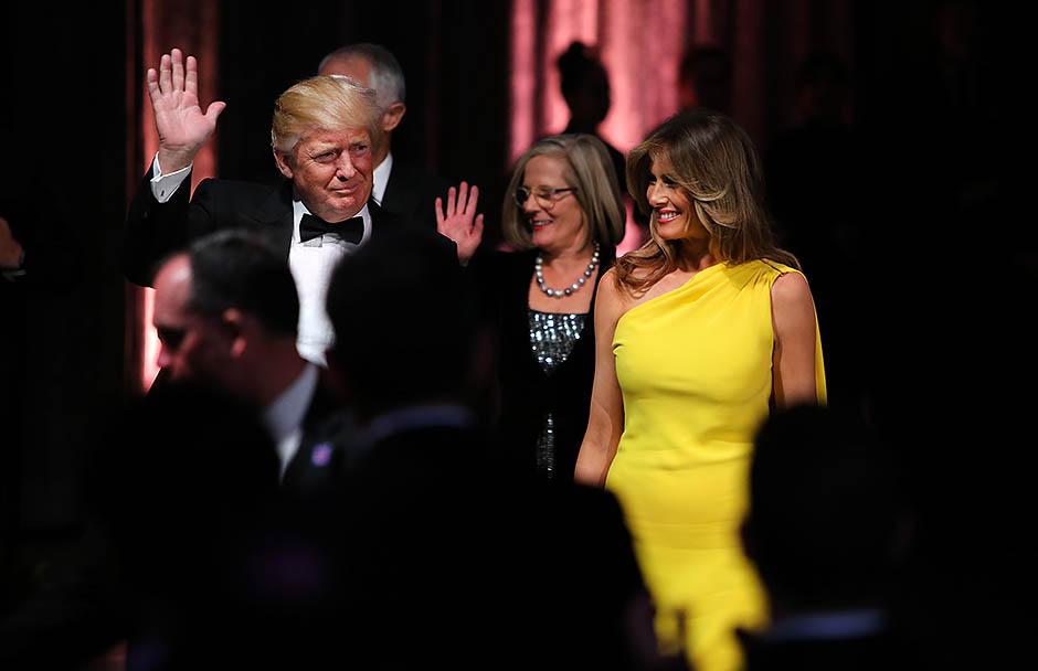 Желтое платье мелании трамп