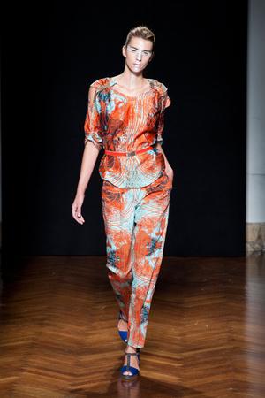 Показы мод Silvio Betterelli Весна-лето 2013 | Подиум на ELLE - Подиум - фото 1125