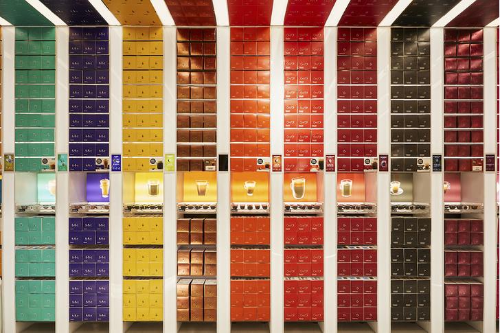 Яркий бутик Nescafé Dolce Gusto в Шанхае (фото 2)