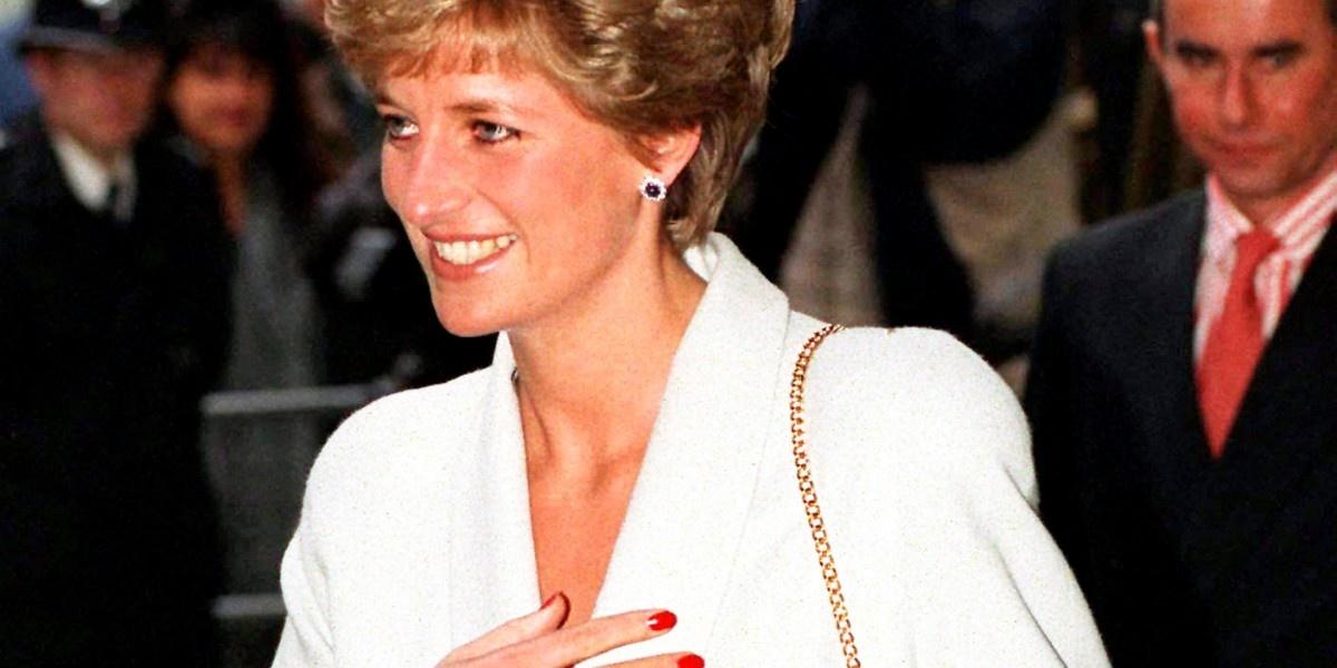 Красный лак и голубые тени: как принцесса Диана нарушала королевский протокол
