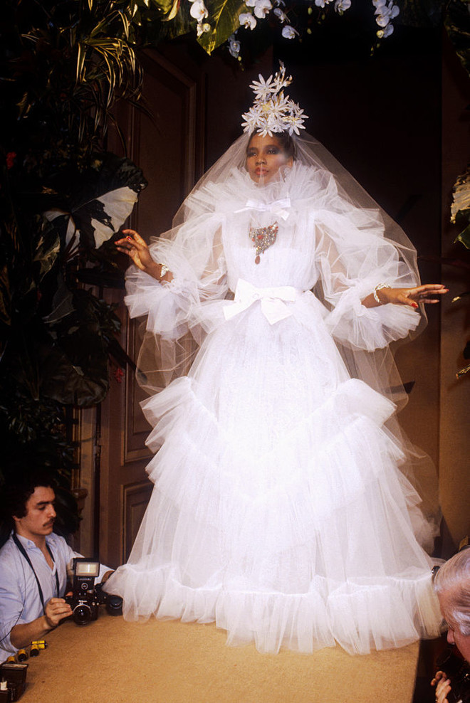 10 культовых свадебных платьев Ива-Сен Лорана (фото 2)