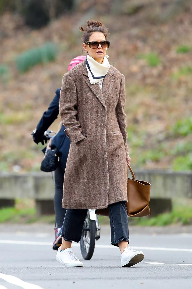 Простые радости: Кэти Холмс и Сури Круз на прогулке в Центральном парке (фото 1)