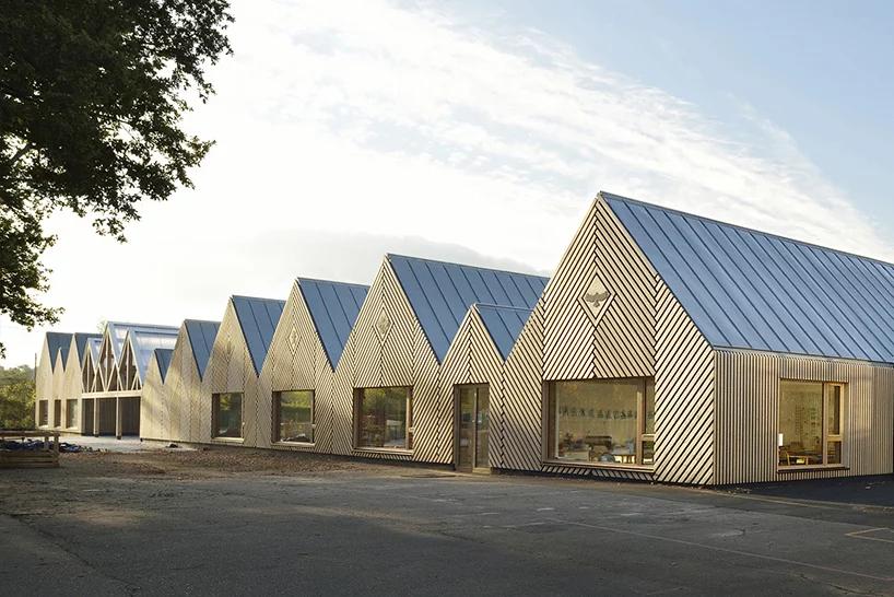 Деревянная школа на юге Франции от Tracks Architectes (галерея 7, фото 3)