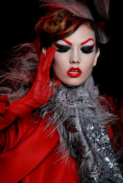 Идеи макияжа для Хэллоуина: вдохновляемся образами с подиумов | галерея [1] фото [2]