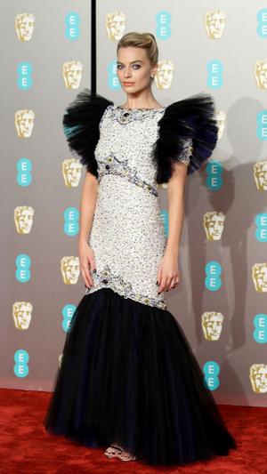Голливудская дива: Марго Робби в платье Chanel на премии BAFTA-2019 (фото 1)
