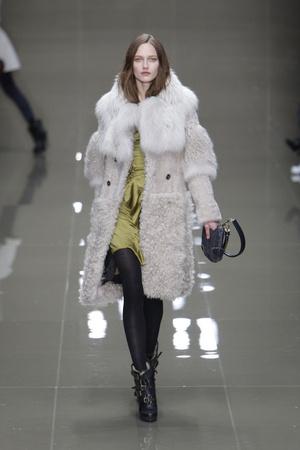 Показы мод Burberry Prorsum Осень-зима 2010-2011 | Подиум на ELLE - Подиум - фото 2808