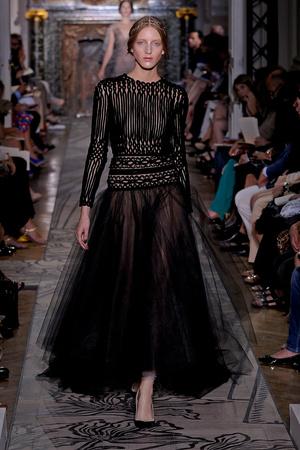 Показ Valentino коллекции сезона Осень-зима 2011-2012 года haute couture - www.elle.ru - Подиум - фото 278542
