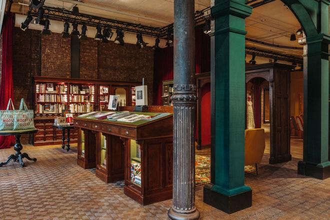Книги - новый тренд: Gucci открыли книжный магазин (фото 1.1)