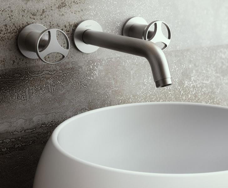 Серый кардинал. Отделки для ванной из металла (фото 3)
