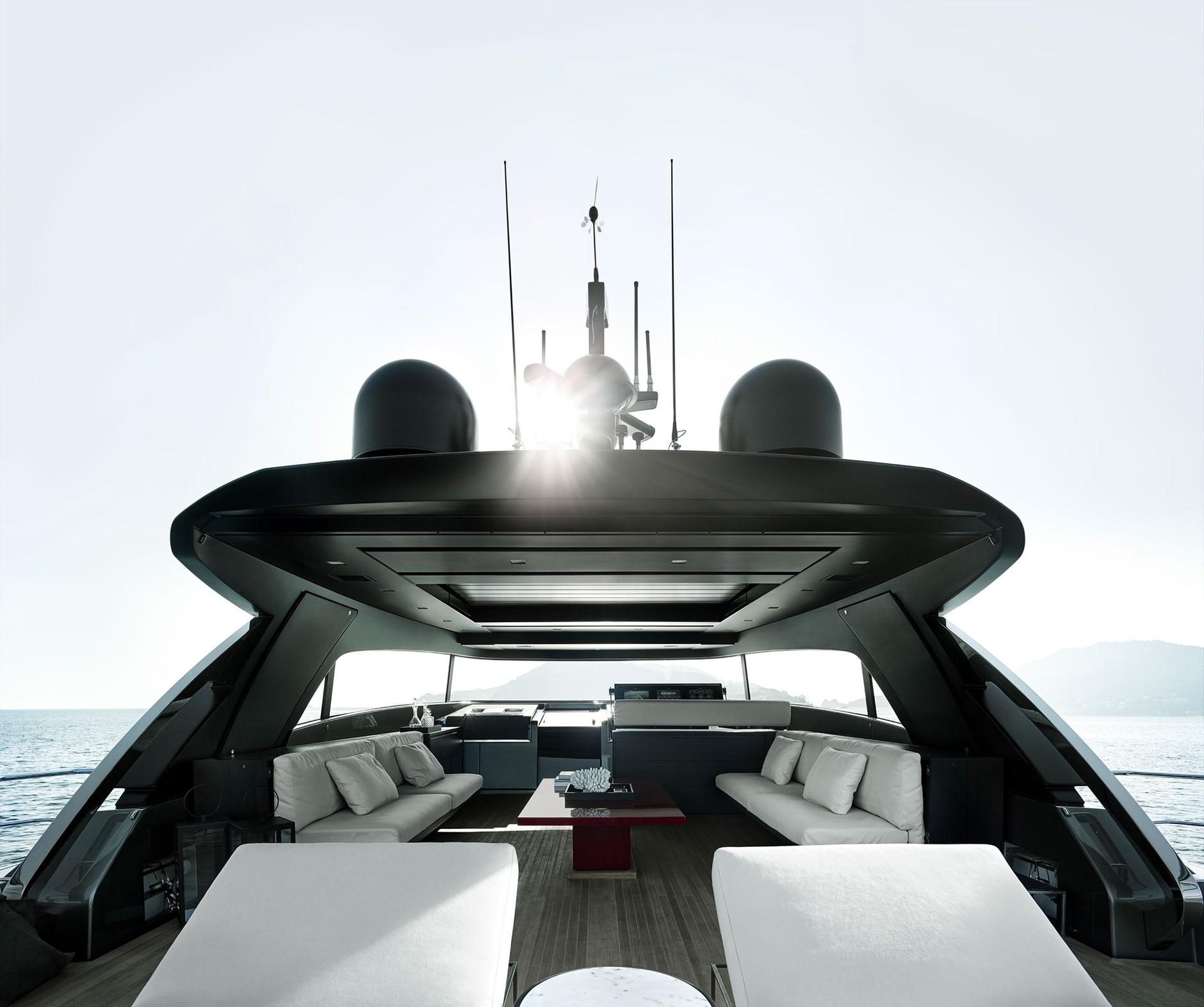 Лофт с видом на море: новая яхта по дизайну Пьеро Лиссони (галерея 4, фото 0)