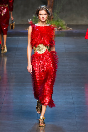 Показ Dolce & Gabbana коллекции сезона Весна-лето 2014 года prêt-à-porter - www.elle.ru - Подиум - фото 566262