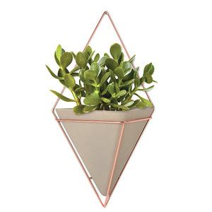 Модные кашпо и мебель для домашних растений (фото 8.1)