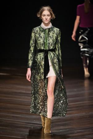 Показы мод Marios Schwab Осень-зима 2013-2014 | Подиум на ELLE - Подиум - фото 761
