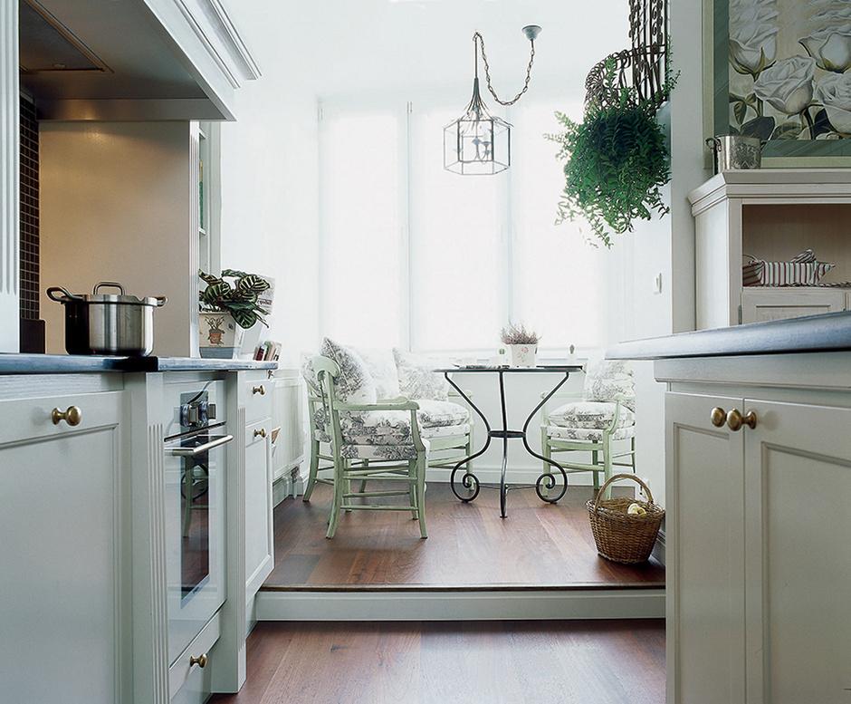Классический вариант дизайна совмещенного балкона или лоджии.