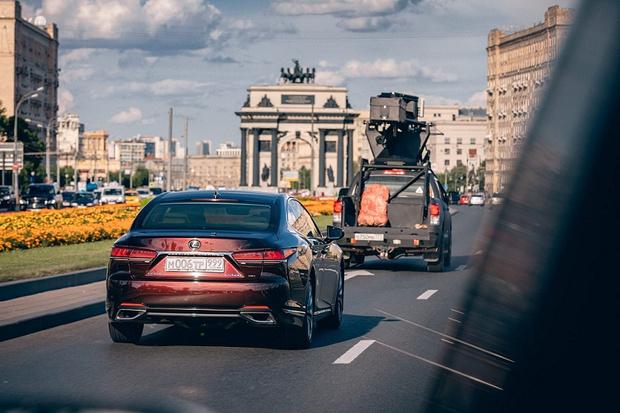Автомобили Lexus в экранизации романа Виктора Пелевина (фото 6)