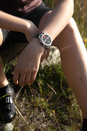 Крупным планом: смарт-часы TAG Heuer Connected Modular Golf Edition (фото 1.2)