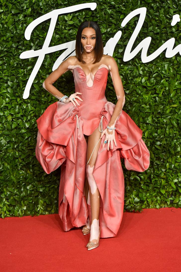 Сад цветов: все модели на премии British Fashion Awards (фото 0)