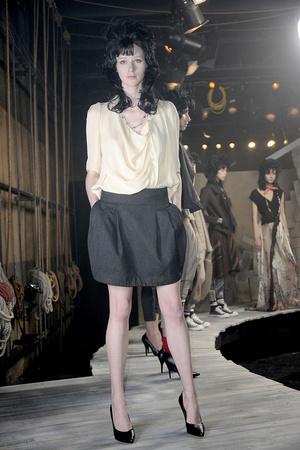 Показы мод Gary Graham Осень-зима 2011-2012 | Подиум на ELLE - Подиум - фото 2398