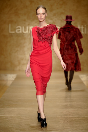 Показ Laura Biagiotti коллекции сезона Осень-зима 2011-2012 года Prêt-à-porter - www.elle.ru - Подиум - фото 246895