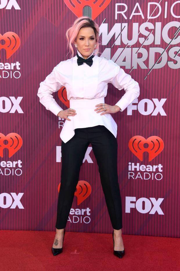 Тейлор Свифт в «чешуе», Хайди Клум в «леопарде» и Backstreet Boys в полном составе на iHeartRadio Music Awards (фото 7)
