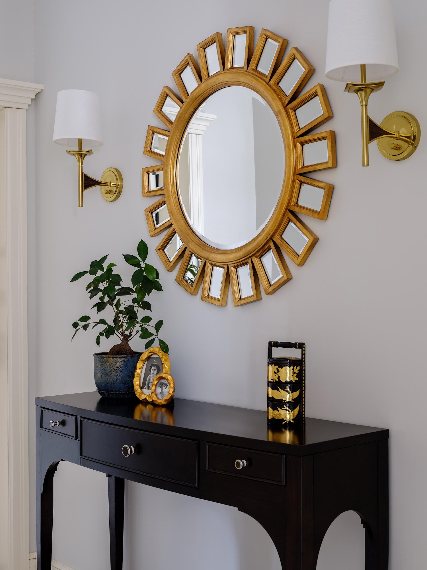 Зеркала в прихожей: 15 стильных решений (галерея 0, фото 1)