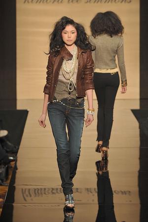 Показы мод Baby Phat Осень-зима 2009-2010 | Подиум на ELLE - Подиум - фото 3248