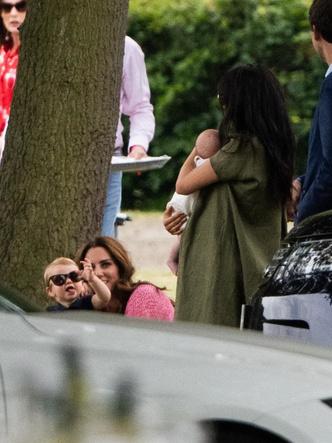«Они стали подругами»: королевский эксперт об отношениях Меган Маркл и Кейт Миддлтон (фото 4)