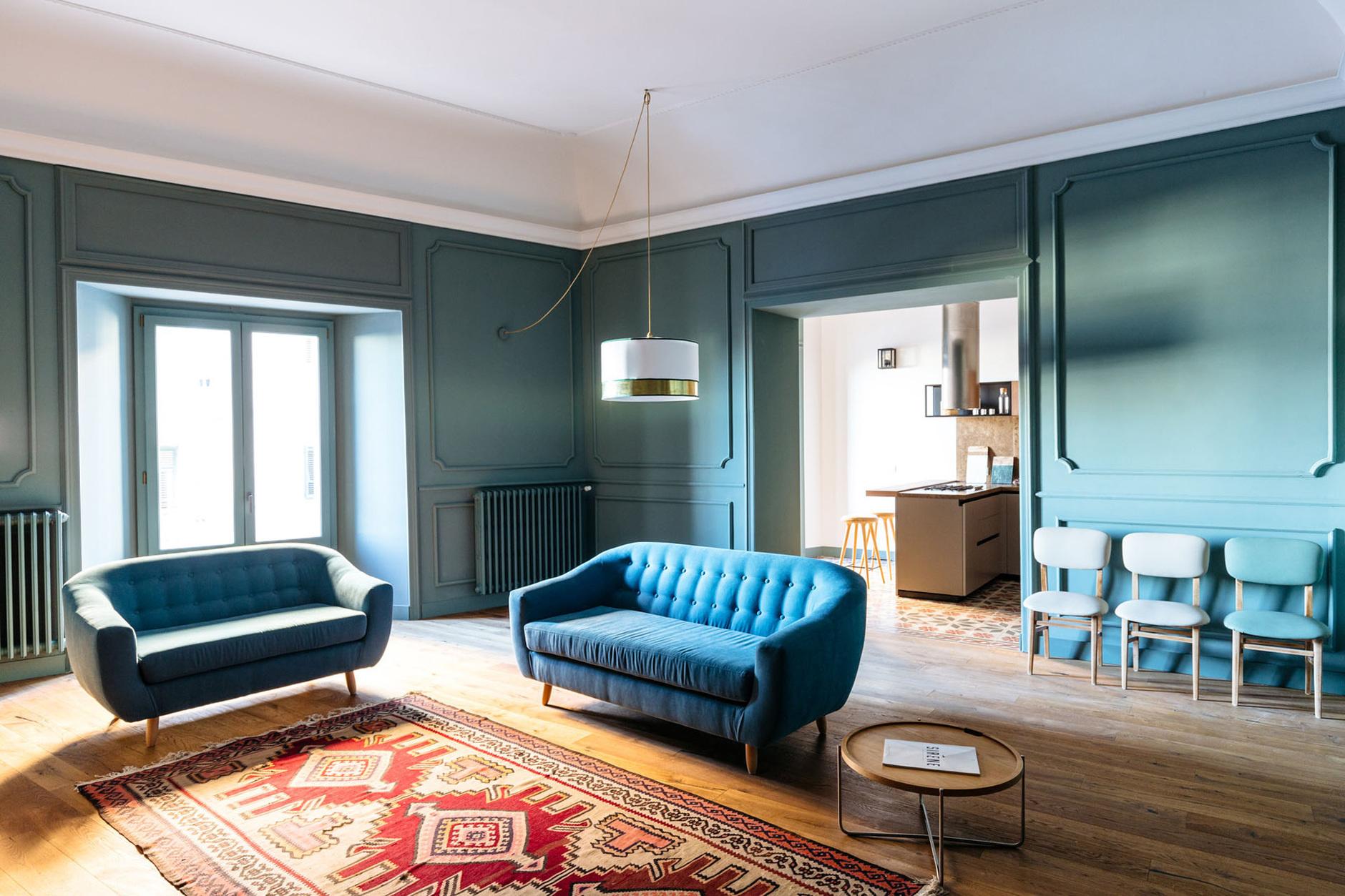 С чем комбинировать синий и его оттенки: 20 универсальных примеров (галерея 1, фото 3)
