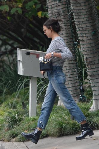 Все гениальное просто: Ирина Шейк в Лос-Анджелесе (фото 2)