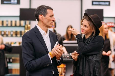 Александр Вриланд представил в Москве коллекцию Diana Vreeland Parfums | галерея [1] фото [17]