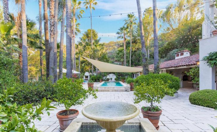 Кети Перри расстается с домом в Лос-Анджелесе фото [13]
