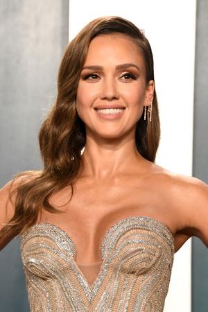 Золотой Голливуд: Джессика Альба на афтепати «Оскара» (фото 1.2)
