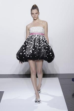 Показ Valentino коллекции сезона Осень-зима 2010-2011 года haute couture - www.elle.ru - Подиум - фото 168367